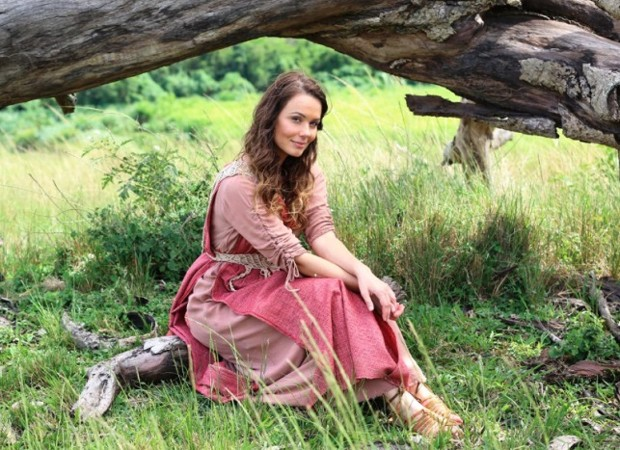 Graziella Schmitt vive a antagonista Raquel (Foto: Munir Chatak/Record TV)