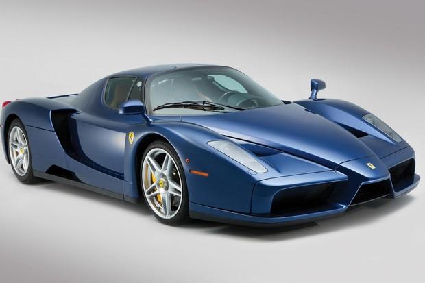 Ferrari Enzo serviu de base para a produção do MC12 (Foto: Divulgação)