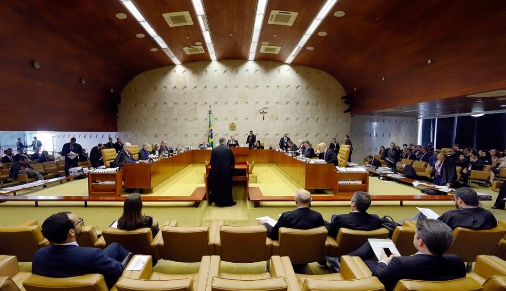Ministros e advogados no plenário do Supremo Tribunal Federal durante a sessão de 5 de dezembro de 2019 — Foto: Rosinei Coutinho/SCO/STF