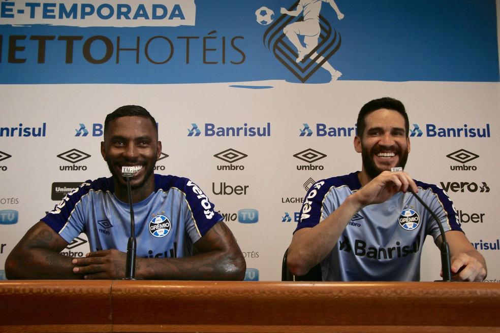 Paulo Miranda e Marcelo Oliveira devem formar a zaga no final de semana  — Foto: Matheus Beck