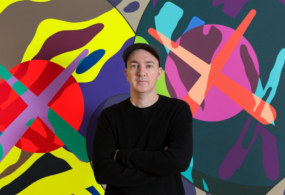 O americano Brian Donnelly, mais conhecido como KAWS (Foto: Cortesia Galerie Perrotin)