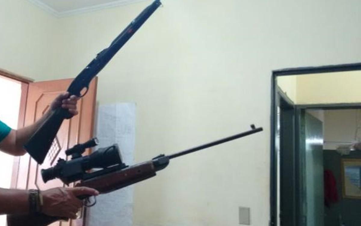 Pescador é preso por porte ilegal de armas em Santo Antônio do Aracanguá