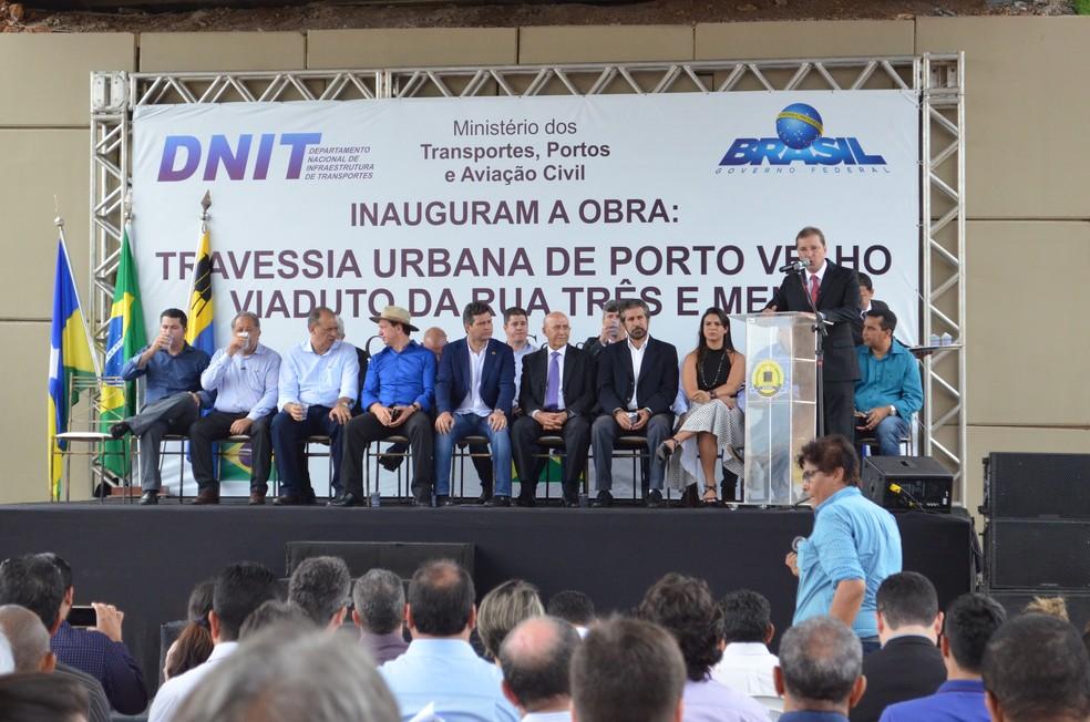 Obra foi entregue pelo Ministro de Transporte e demais personalidades (Foto: Hosana Morais/G1)
