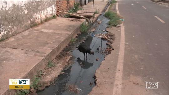 Moradores reclamam de vazamento de esgoto em Codó