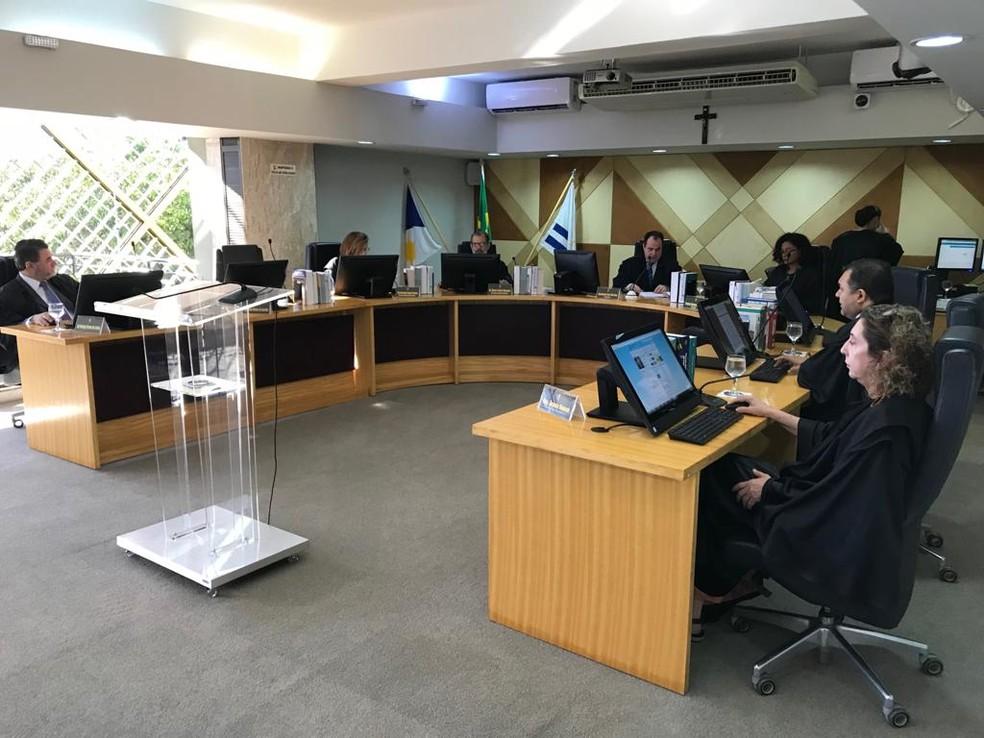 Desembargadores se reuniram em sessão no TRE (Foto: Cassiano Rolim/TV Anhanguera)