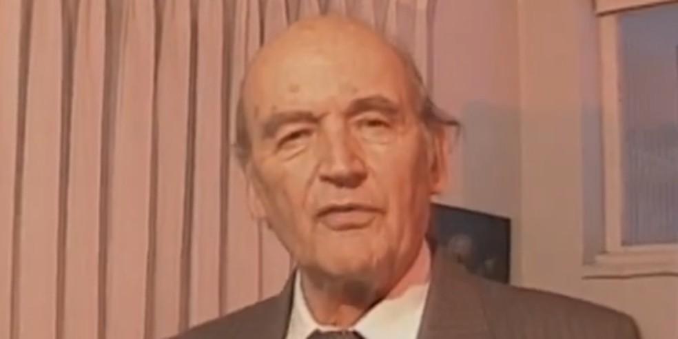 Padre Quevedo em seu quadro no Fantástico — Foto: Reprodução/TV Globo