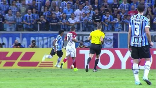 Além da 9: Jael lidera assistências e participa de um terço dos gols do Grêmio
