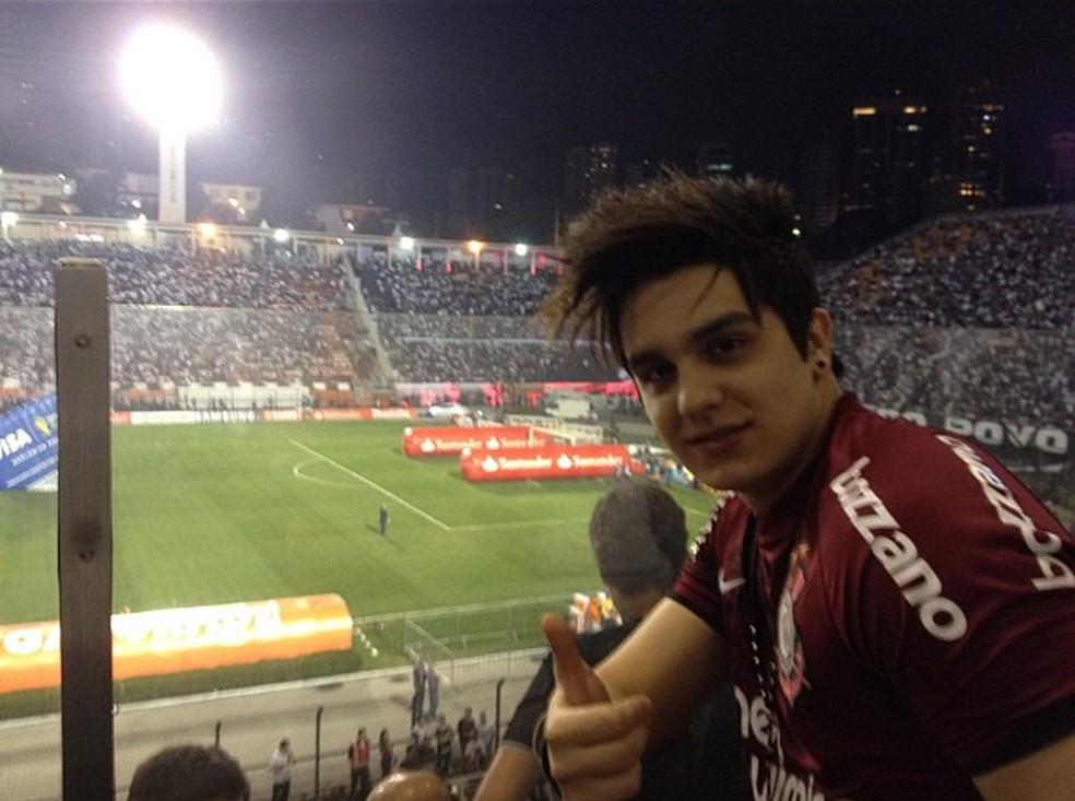 Luan Santana assiste a jogo do Corinthians (Foto: Reprodução)