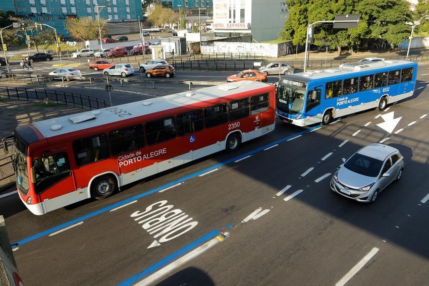 Linhas de ônibus de Porto Alegre têm reforço para Enem