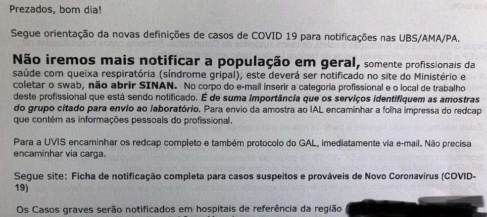 Email encaminhado para unidades de saúde de SP pede que sejam notificados apenas casos graves da população em geral ou todos os casos em agentes de saúde — Foto: Reprodução