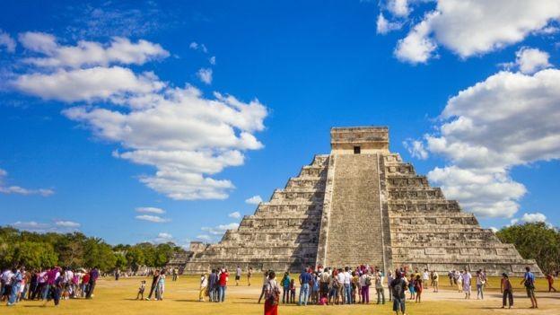 Templos maia como este, em Chichen Itza, no México, atraem turistas de todo o mundo (Foto: GETTY IMAGES/via BBC News Brasil)