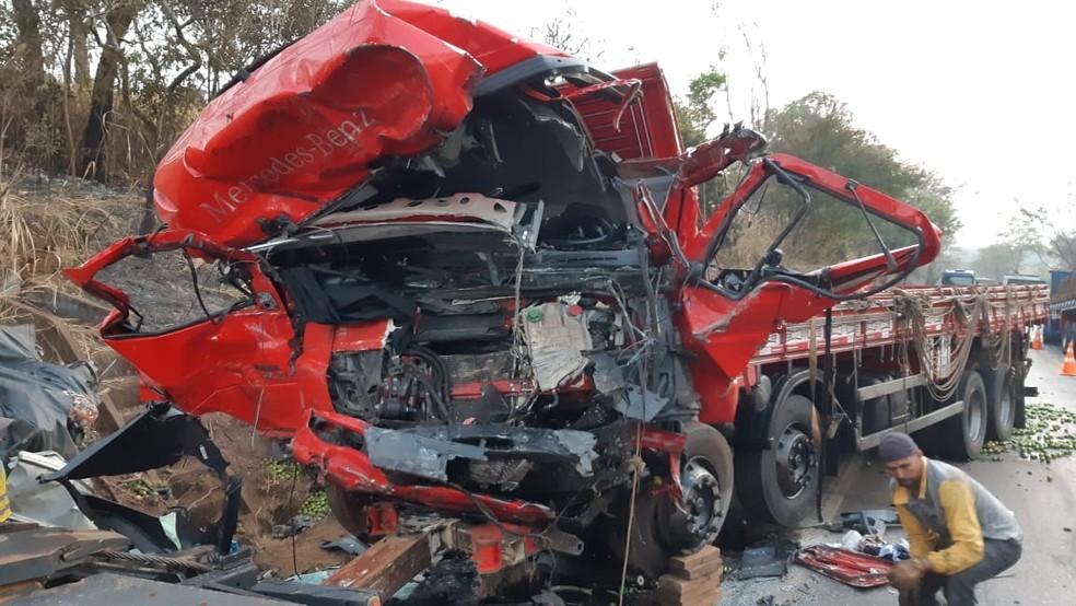 Tragédia no trânsito: acidente em Minas Gerais deixa 12 mortos e 1 ferido -  Sputnik Brasil