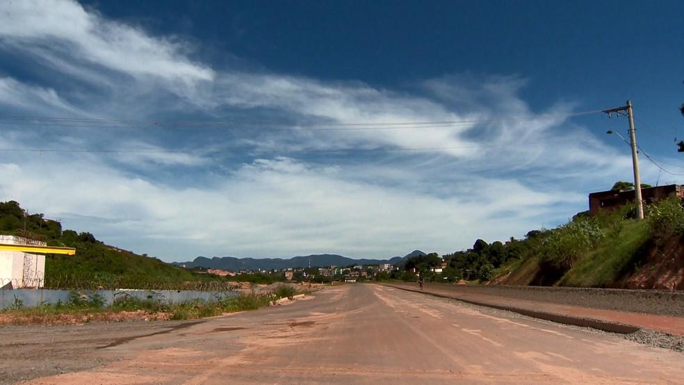 Rodovia Leste-Oeste deveria ser entregue em 2009 — Foto: Paulo Cordeiro/ TV Gazeta