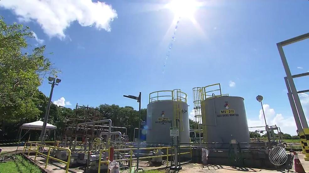 Buraco se formou em área usada por multinacional americana para extrair salmora. (Foto: Reprodução/TV Bahia)