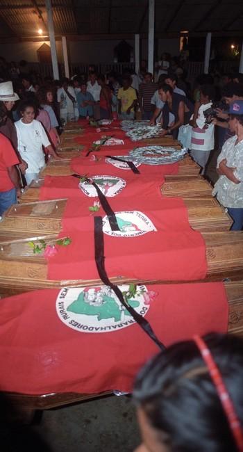 Velório das vítimas do Massacre de Eldorado de Carajás, em Curionópolis