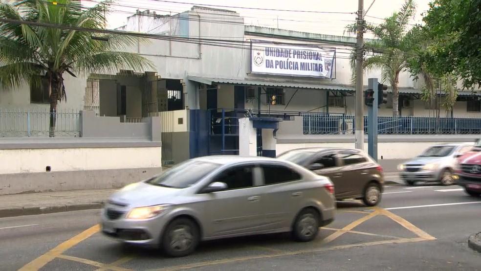 Batalhão Prisional da Polícia Militar em Niterói, na Região Metropolitana do Rio, onde Pezão está preso — Foto: Reprodução/ TV Globo