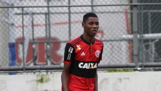 Diego Alves e Dorival batem boca na frente do elenco 82a2ab8552833