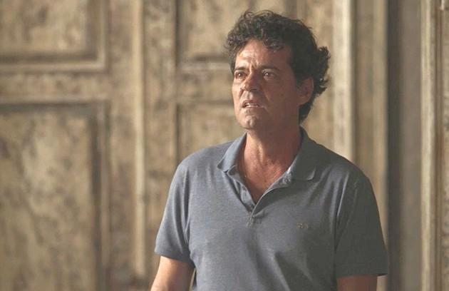 Américo (Felipe Camargo) terá um reencontro com Cris (Vitória Strada) e dirá que não consegue mudar seu jeito errado, mas a filha responderá que vai ajudá-lo a 'entender os impulsos que o prejudicam' (Foto: TV Globo)
