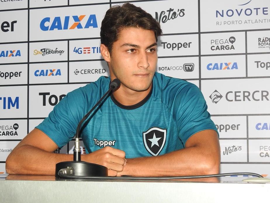 c4bdf26b4c Um dos melhores alvinegros na vitória por 2 a 1 sobre o Nova Iguaçu