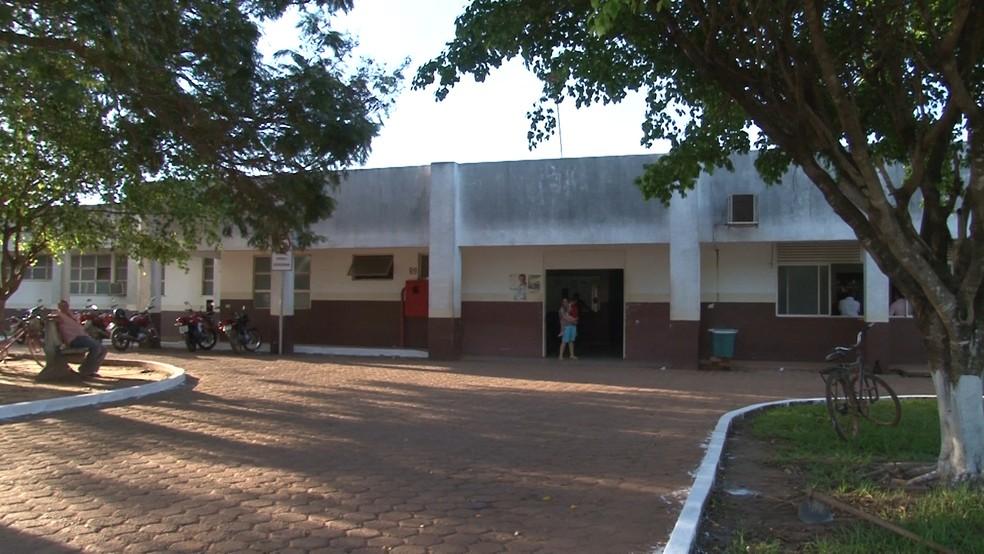 As duas meninas foram levadas ao Hospital Municipal de Rolim de Moura, RO (Foto: Reprodução/Rede Amazônica)