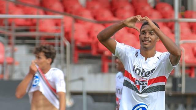 Gabriel Novaes, São Paulo