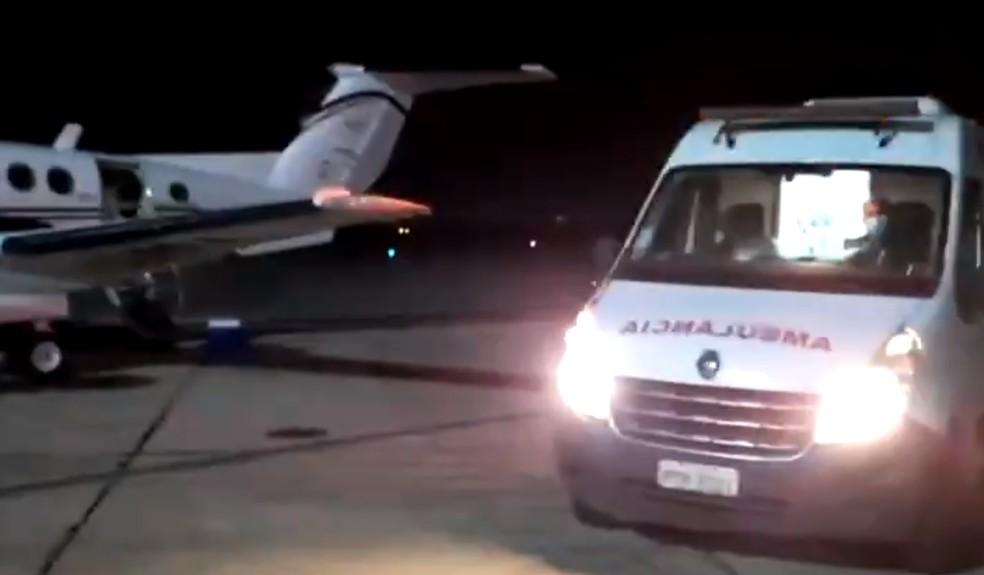 Devido ao aumento de internações, pacientes com Covid-19 estão sendo transferidos de Imperatriz para São Luís em UTIs aéreas. — Foto: Reprodução/Redes sociais/Governo do Maranhão