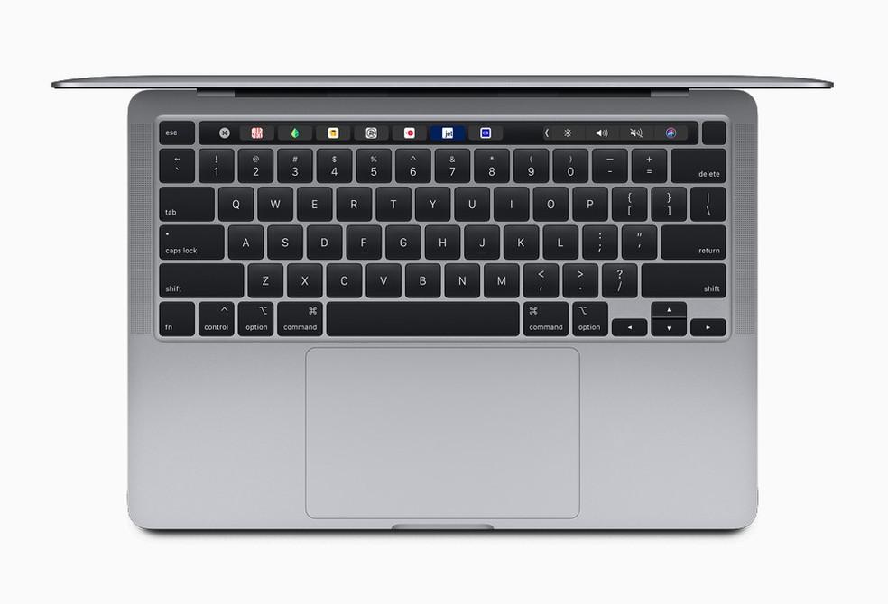 Todos os Pro de 13 polegadas trazem o novo teclado Magic e chegam com a Touch Bar. — Foto: Divulgação/Apple