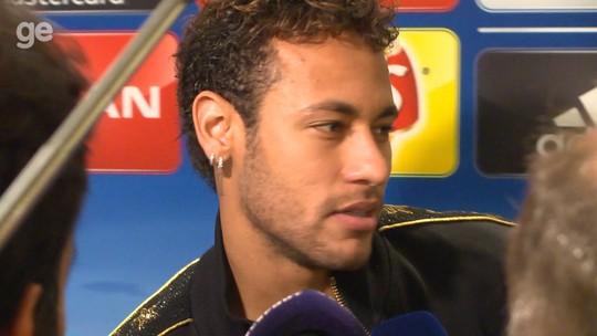 """Neymar se irrita com pergunta sobre Real e abandona zona mista: """"Chatos demais"""""""