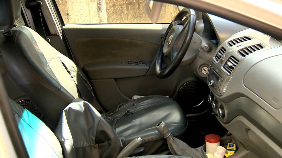 Taxista é esfaqueado durante corrida em Cariacica, no Espírito Santo — Foto: Reprodução/ TV Gazeta
