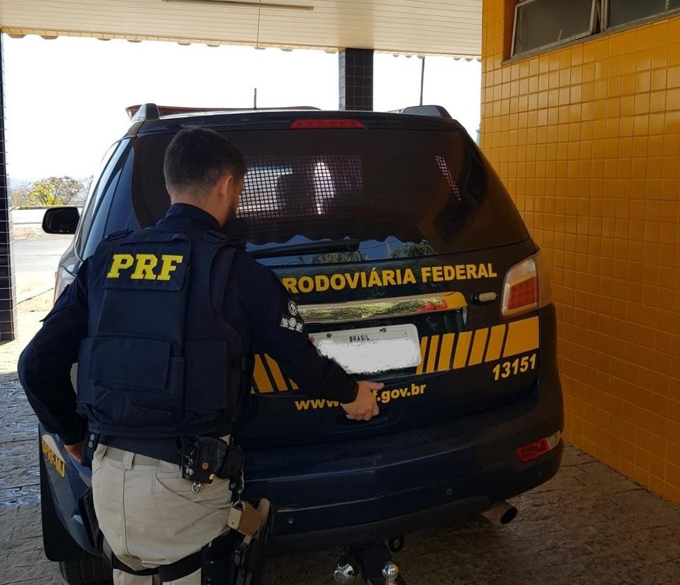 Pastor é suspeito de importunação sexual em mulher que dormia dentro de ônibus de viagem — Foto: Divulgação/PRF