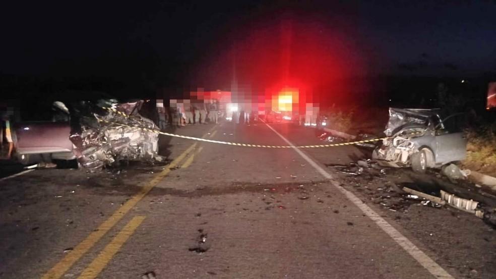 Acidente na BR-104 em Taquaritinga do Norte — Foto: Polícia Rodoviária Federal/Divulgação