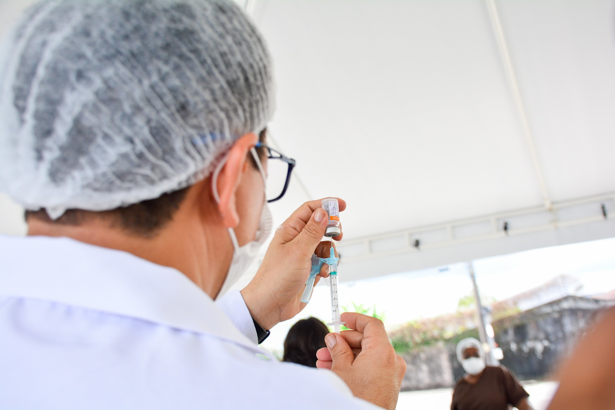 Confira cronograma de vacinação da segunda dose contra a Covid-19 para idosos de 70 a 67 anos, em Curitiba