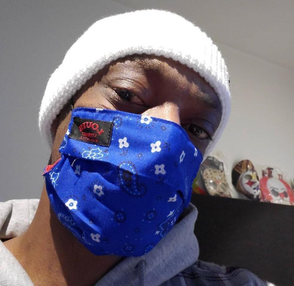 Snoop Dogg usa máscara durante a quarentena causada pelo coronavírus — Foto: Reprodução/Instagram