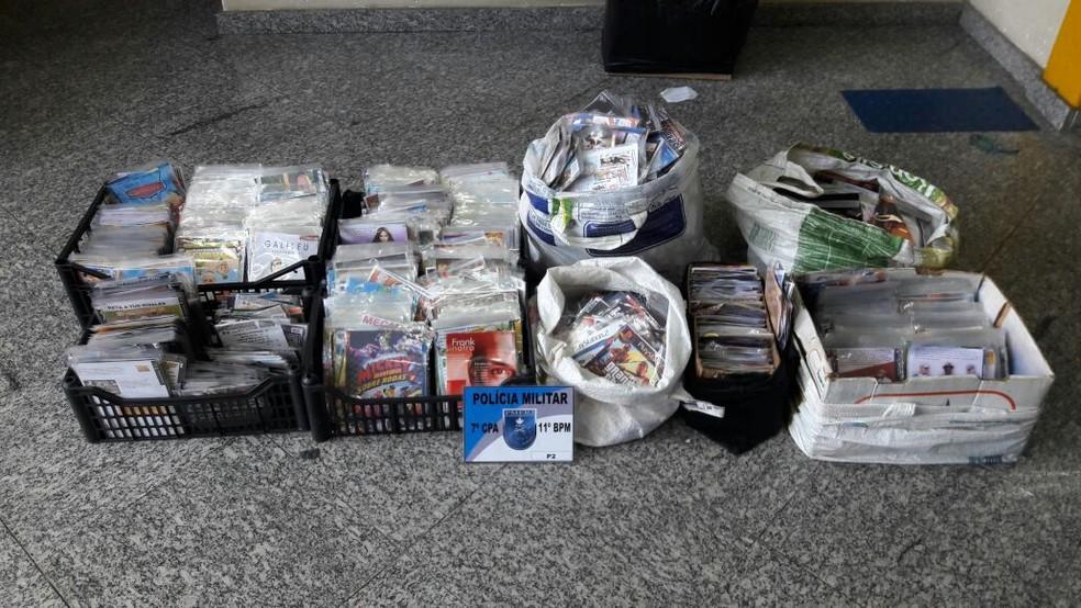 DVD's e CD's piratas foram apreendidos em Nova Friburgo  (Foto: Polícia Militar | Divulgação)
