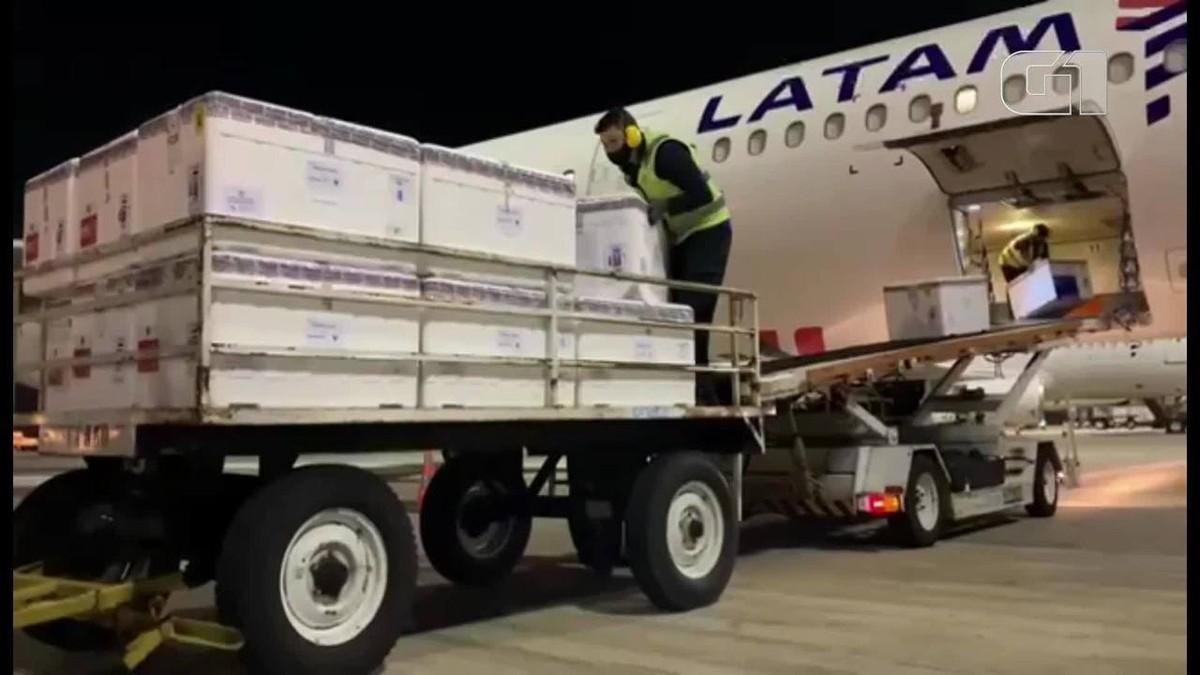 300 mil doses de CoronaVac compradas diretamente do Butantan chegam ao Ceará