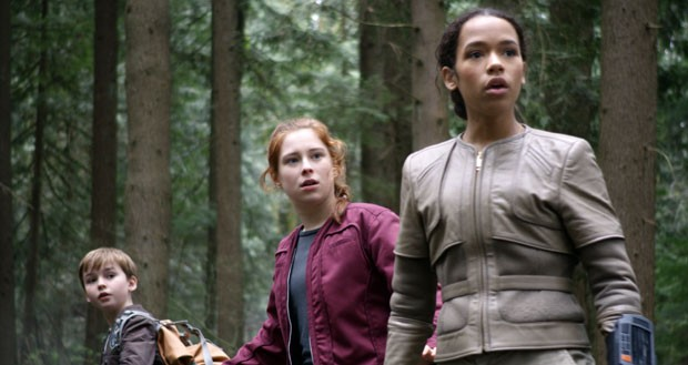 Max Jenkins, Mina Sudwall e Taylor Russell: Perdidos no Espaço (Foto: Divulgação/Netflix)