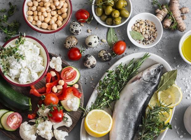 Rica em gorduras insaturadas, a dieta do mediterrâneo é considerada a mais saudável por especialistas de Harvard (Foto: Getty Images)