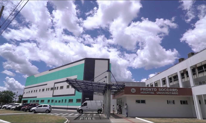 Coronavírus: Paciente morre esperando por vaga de UTI no Hospital Universitário de Londrina