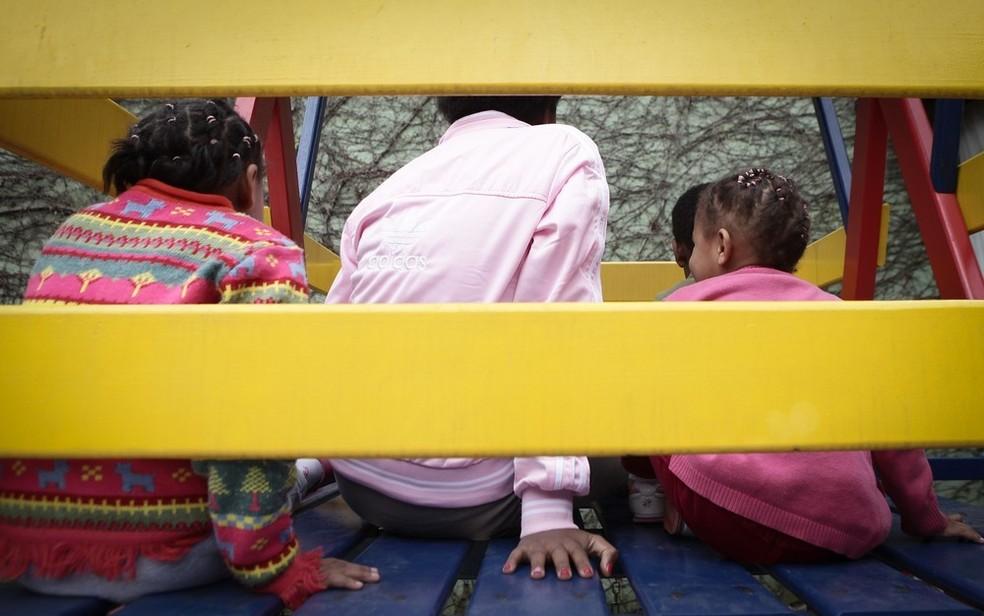 Crianças em abrigo, em imagem de arquivo — Foto: Caio Kenji/G1