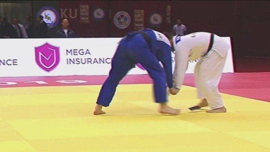 Judoca português esquece celular no quimono, deixa cair no meio da luta e é eliminado do GS de Baku