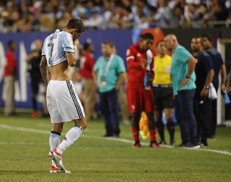 Di María sofre lesão Argentina x Panamá — Foto: EFE