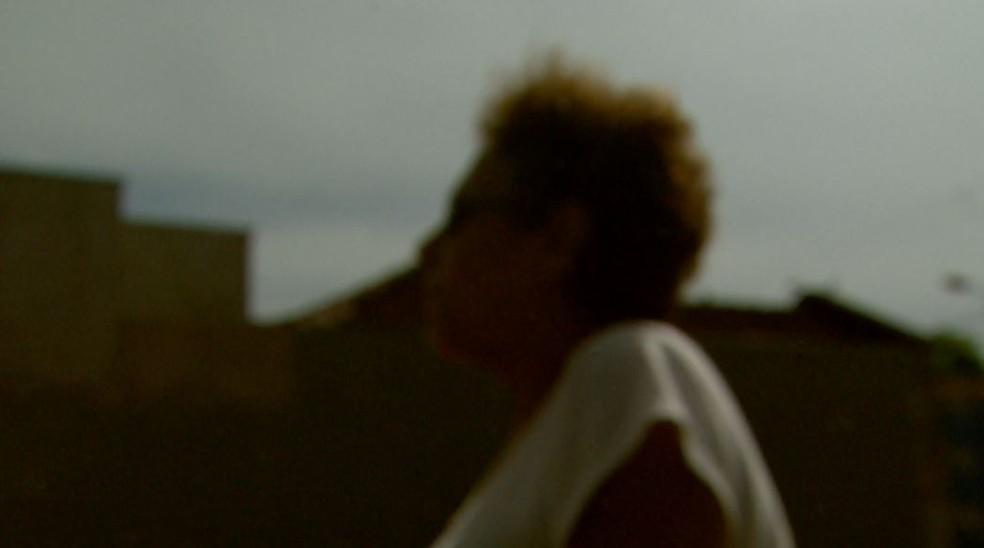 Mulher prefere não se identificar tentou internar o filho doente mental, mas não conseguiu vaga em Ribeirão Preto (SP). — Foto: Reprodução/EPTV