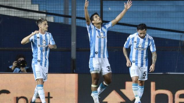 Melgarejo comemora seu gol na vitória do Racing sobre o Boca Juniors