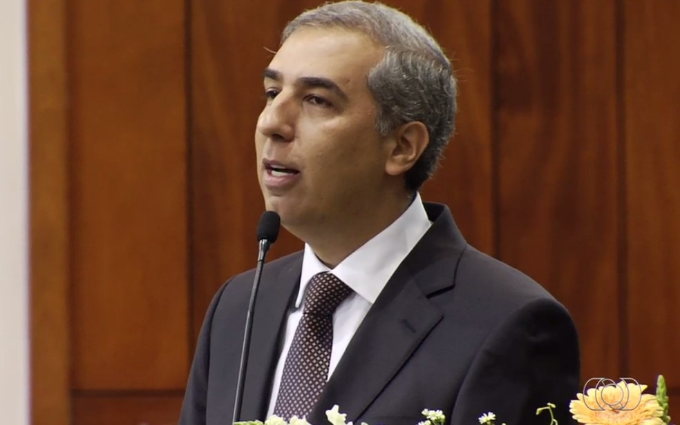 Governador de Goiás José Eliton (PSDB) durante posse (Foto: Reprodução/TV Anhanguera)