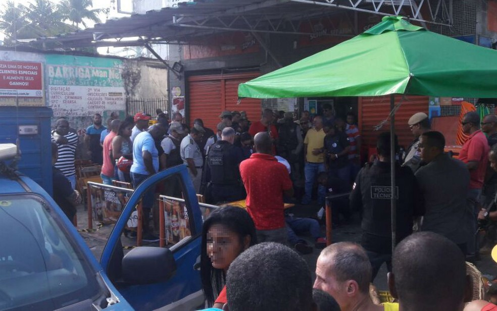 Crime ocorreu no bairro de Brotas, em Salvador (Foto: Alan Oliveira / G1)