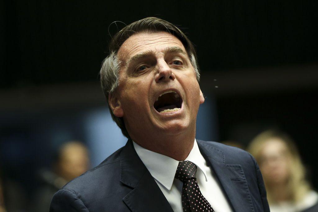 O então deputado Jair Bolsonaro durante comissão no plenário da Câmara dos Deputados (Foto: Agência Brasil/Marcelo Camargo)