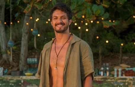 Na quarta (21), Marcos sairá da casa do pai para evitar que Paloma deixe de trabalhar no local TV Globo