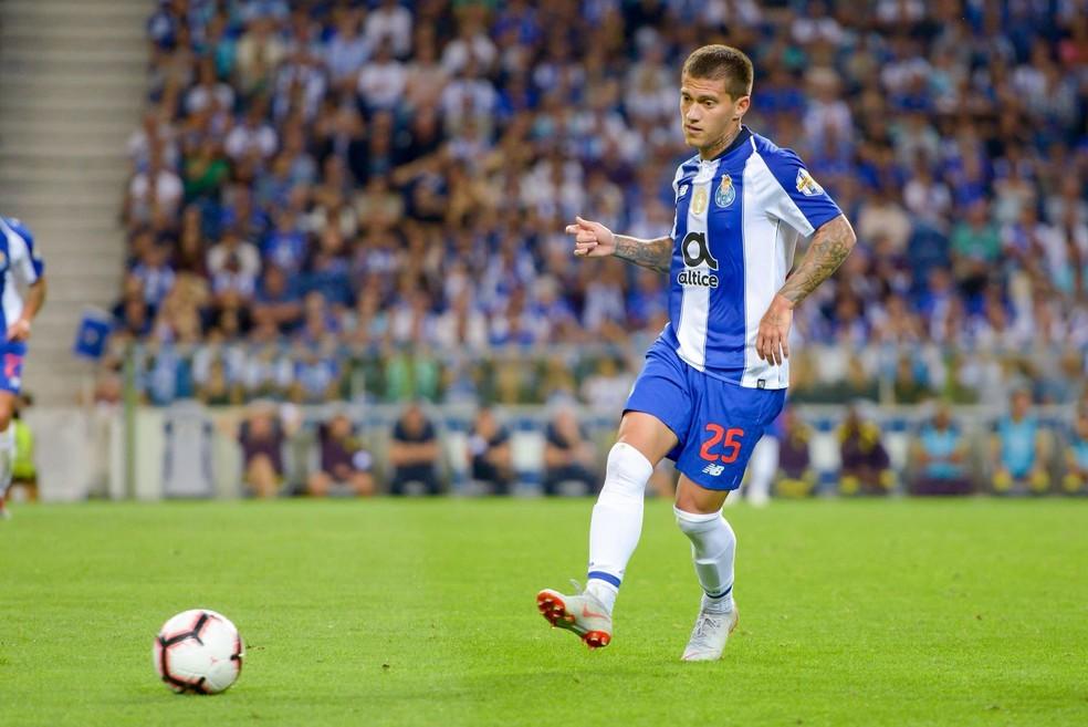 Otávio, do Porto, é o atacante de lado com mais desarmes no Campeonato  Português | futebol | ge