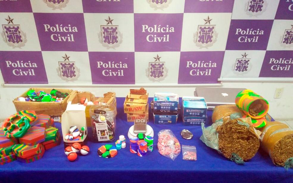Drogas foram encontradas na casa e no carro do jovem (Foto: Divulgação/Polícia Civil)