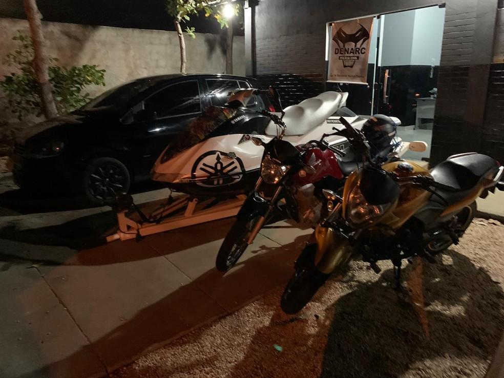 Veículos que foram apreendidos durante a operação — Foto: Divulgação/Polícia Civil